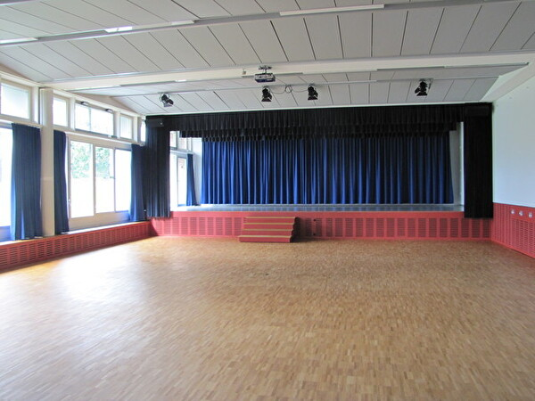 Bühne Embrisaal