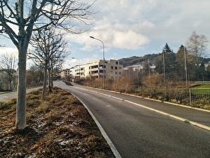Der neue Regenabwasserverbindungskanal kommt im Bereich der Schulanlage Grund in die   Auwiesenstrasse zu liegen.