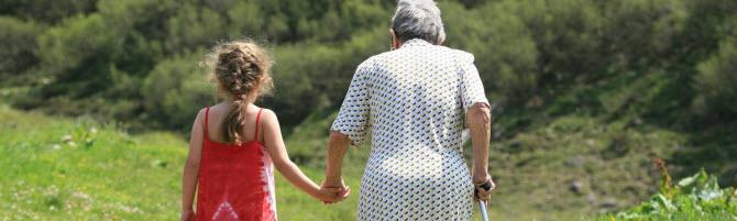 Grossmutter mit Kind