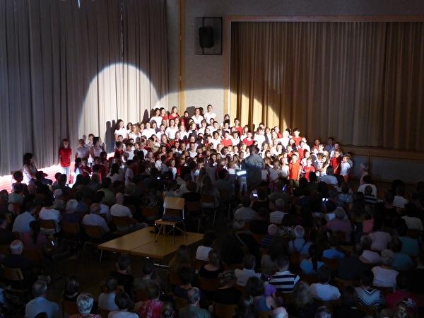 Der Chor aus dem Musical Balz