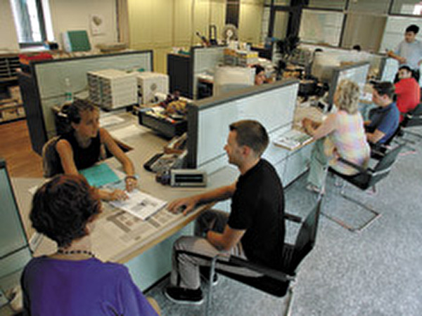 Schalterhalle der Einwohnerkontrolle