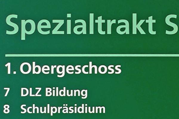 Schulpflege und DLZ Bildung im Spezialtrakt der Schulanlage Sonnenberg