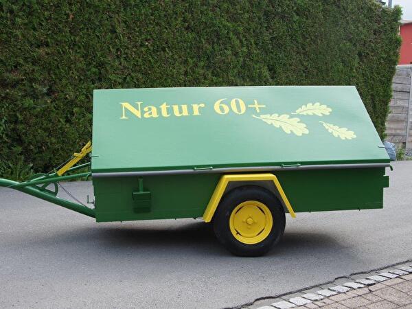 Gerätewagen beschriftet mit Natur 60+