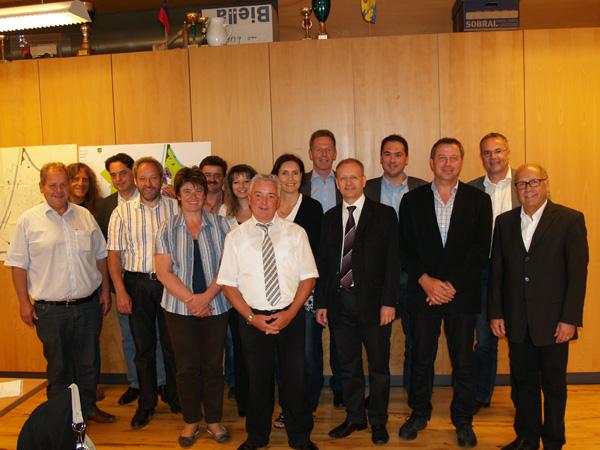 Gruppenfoto vom Diepoldsauer Gemeinderat, Stefan Britschgi, Miriam Geisser, Roland Wälter, Andrea Moschen, Christian Sepin, Thomas Bolt und Udo Hutter