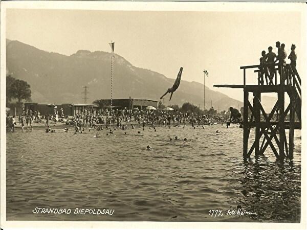 Strandbad mit Sprungturm
