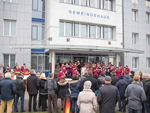 Musikverein Diepoldsau spielt an der Neujahrsgebrüssung