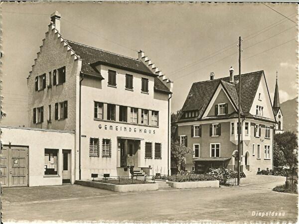 Gemeindehaus und alte Post