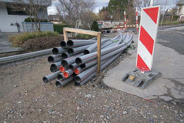 Foto von Kabelkanälen auf einer Baustelle