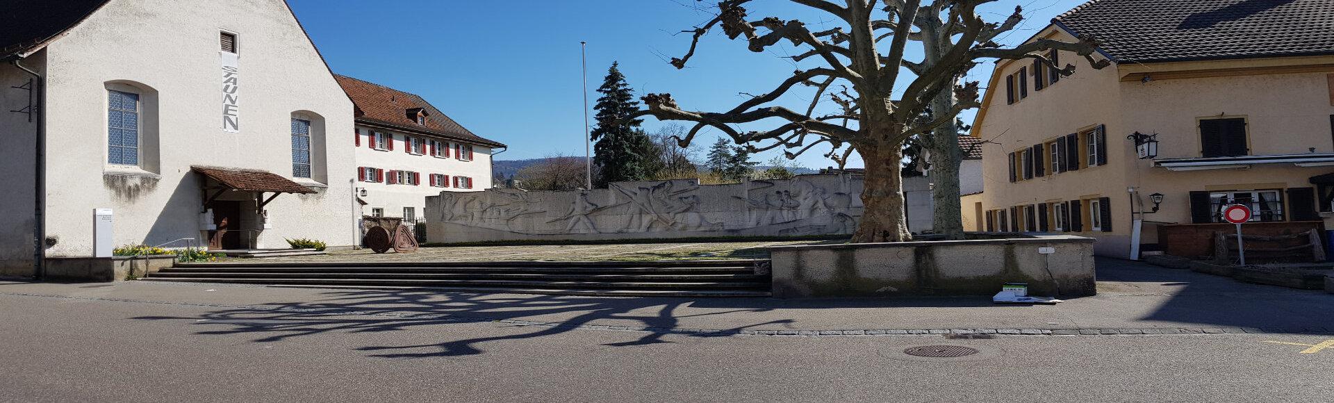 Symbolbild zeigt den Platz vor dem Kloster Dornach