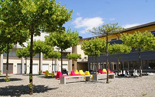 Schulhaus Boden Innenhof