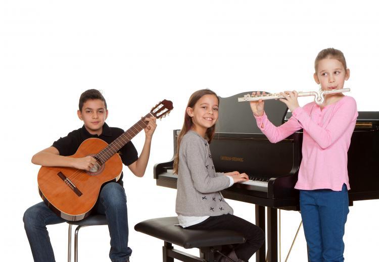 Musizierende Kinder