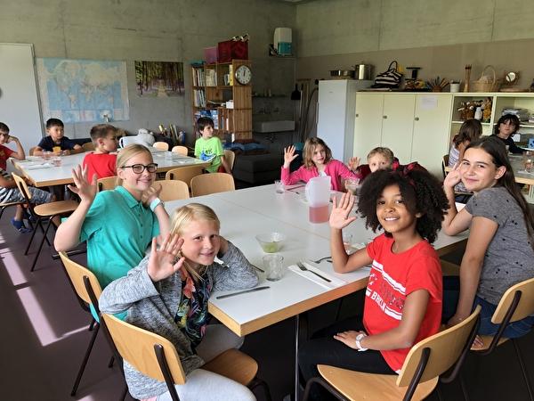 Kinder vom Mittagstisch