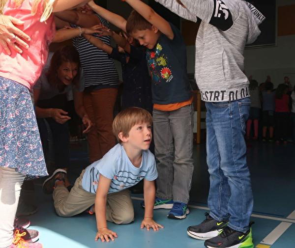 Begrüssung der kleinen Kindergartenkinder