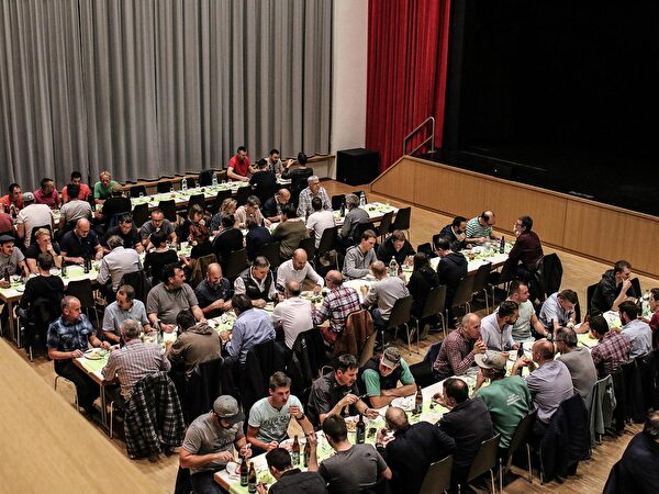 Aufrichtfest Realschulhaus Gringel 1 in der Aula Gringel