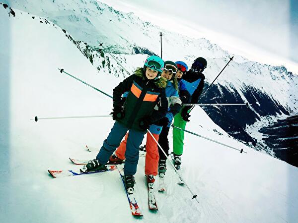 Loreto; Skilager Davos Februar 2019