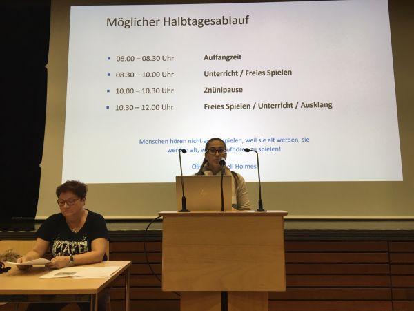 Kindergartenlehrpersonen Barbara Kurth und Melanie Schüpbach
