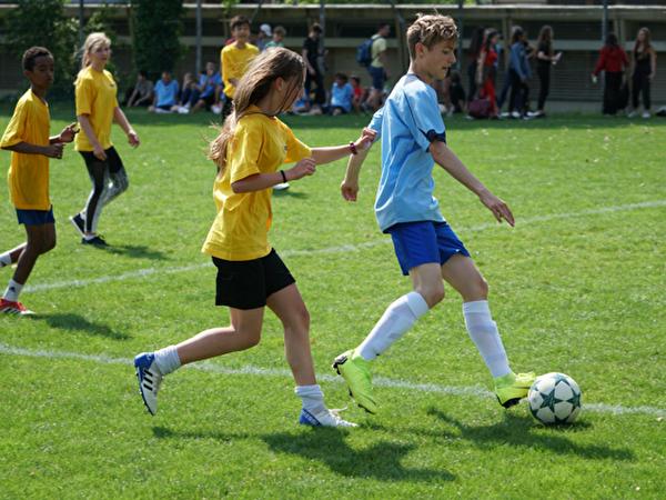 Loreto: Lehrer-Schüler-Fussballturnier