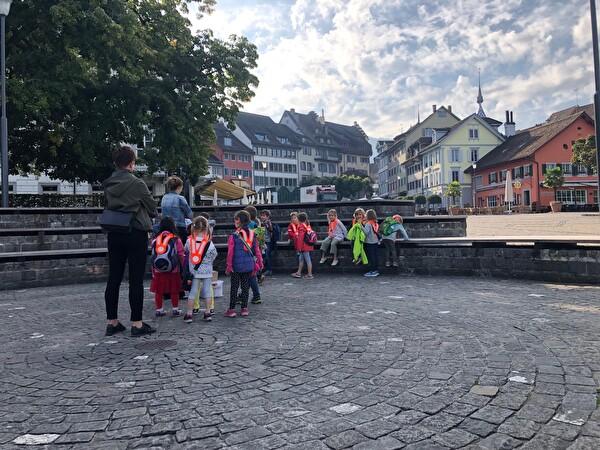 Znüni Pause auf dem Landsgmeindsplatz