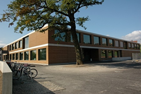Neubau Schulhaus Oberuster, Projekt Spielfelder
