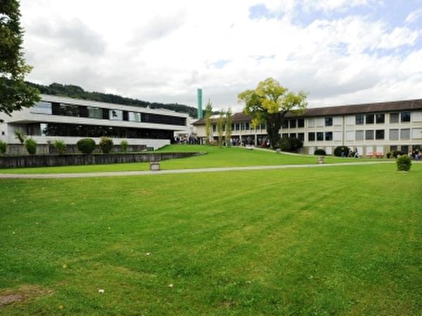 Schulhaus und Doppelturnhalle Berghalden