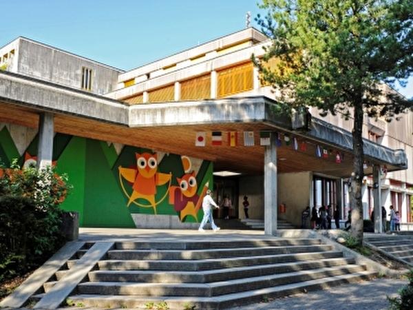 Schulhaus Waldegg - Eingangsbereich