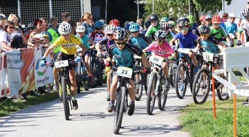 Die Schneeschüali, beliebte Sportveranstaltung bei der Schuljugend von Chur und den umliegenden Gemeinden.