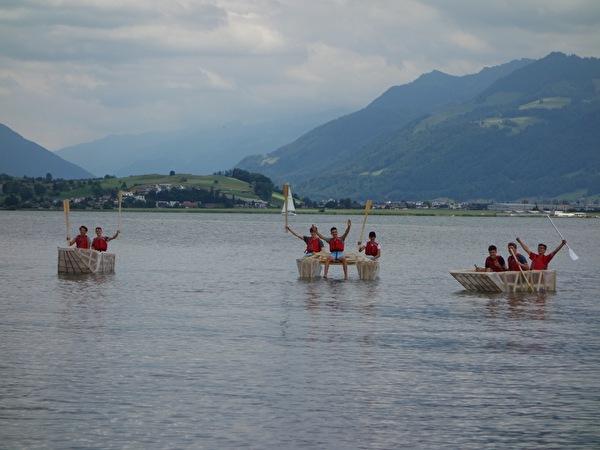 Boote und Katamaran