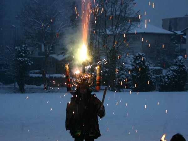 1 Mann Feuerwerk