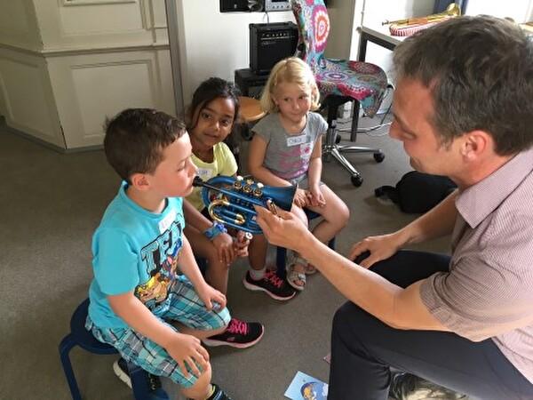 Kindergartenreise Thäli in der Musikschule