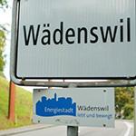 Ortsschild Wädenswil mit Energiestadt-Logo