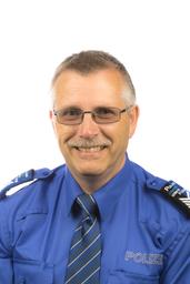 Postenchef Möhlin, Herr Hollenstein