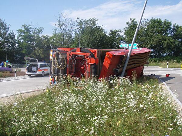 umgestürzter Lastwagen