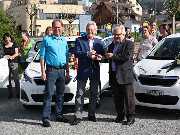 Schlüsselübergabe neue Autos für Spitex Bodensee