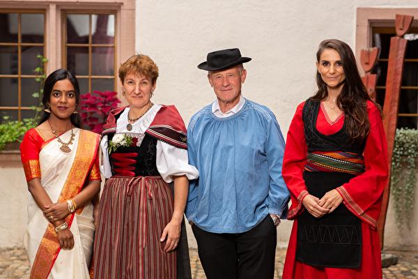Schloss Pratteln Trachten Kultur Tradition
